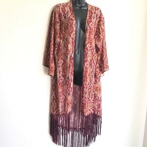 Xhilaration Duster Fringed Size L Wine Rust Print
